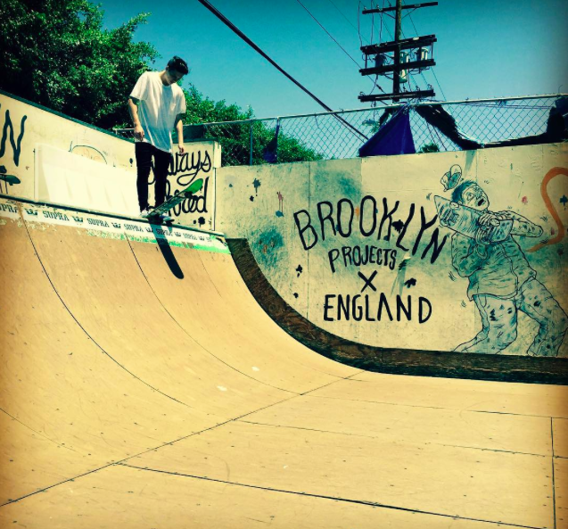 Brooklyn Beckham : Il assure dans son rôle de grand frère !