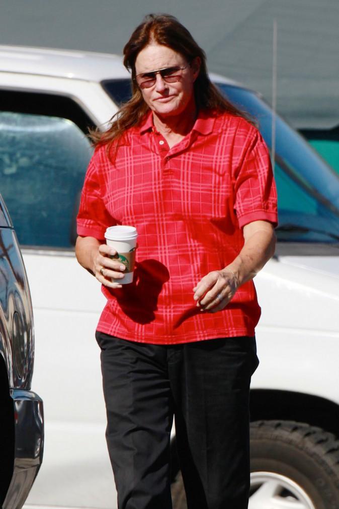 Photos : Bruce Jenner : reboosté par Kim, il affiche fièrement la chevelure du changement !