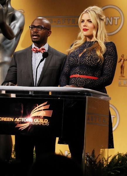Busy Philipps et Taye Diggs à Los Angeles pour annoncer la liste des nommés au SAG Awards, le 12 décembre 2012.