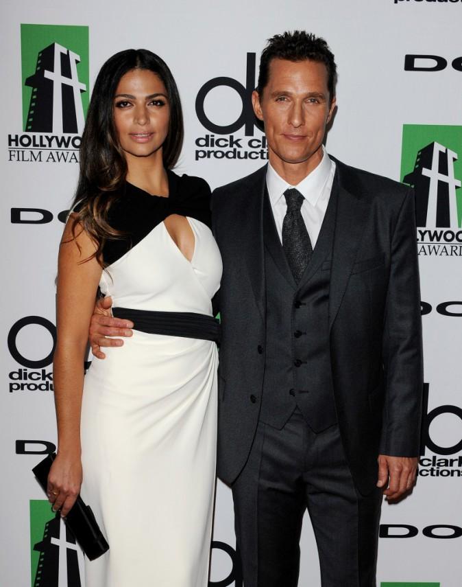 Camila Alves et Matthew McConaughey lors de la soirée des Hollywood Film Awards à Beverly Hills, le 21 octobre 2013.