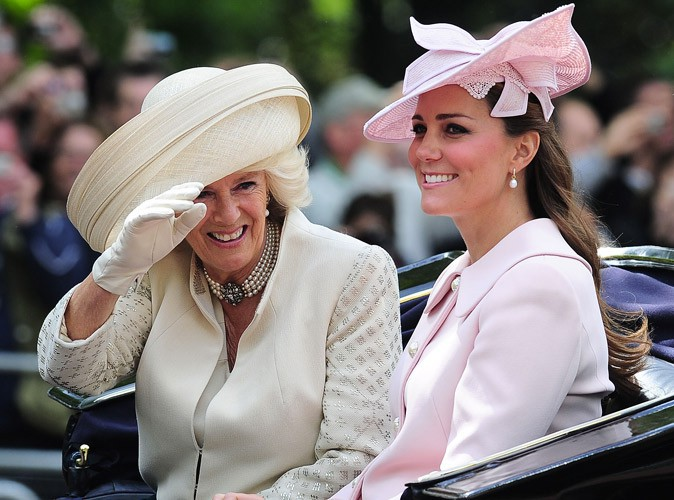 Photos : Camilla Parker Bowles : la grossesse de Kate Middleton occulte son anniversaire mais elle garde le sourire !