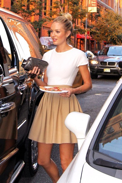 Candice Swanepoel à New York, le 31 juillet 2012.
