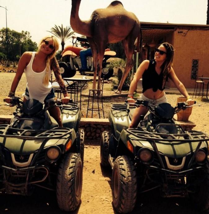 Photos : Capucine Anav et Aurélie Dotremont : les crevettes continuent à profiter de leur petit break à Marrakech !