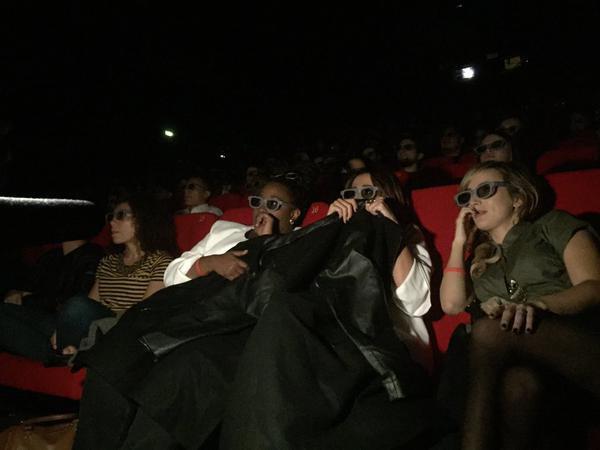 Photos : Capucine Anav et Benoît Dubois : grosse frayeur dans un cinéma parisien !