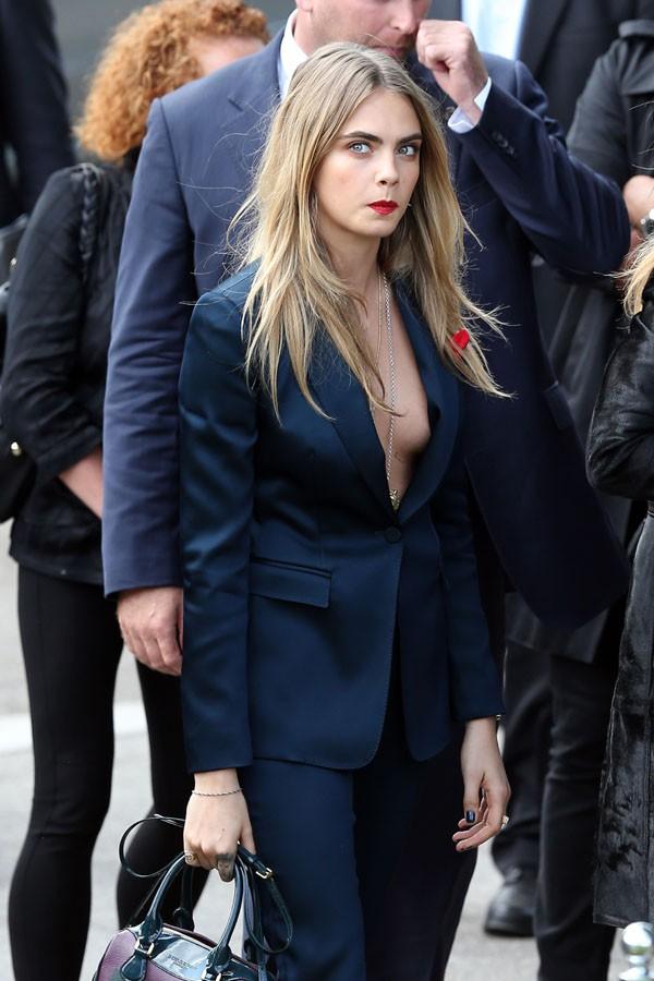 Cara Delevingne à la Fashion Week de Londres le 15 septembre 2014