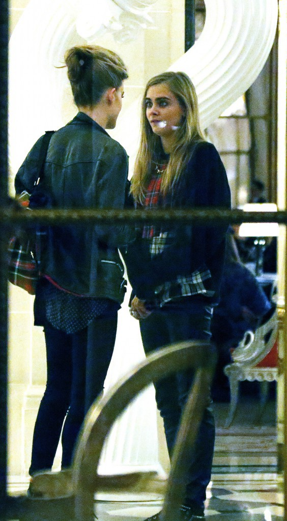 Cara Delevingne et Georgia May Jagger à Paris, le 30 septembre 2013.