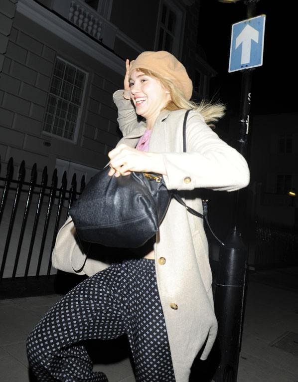 Suki Waterhouse à Londres le 26 avril 2014