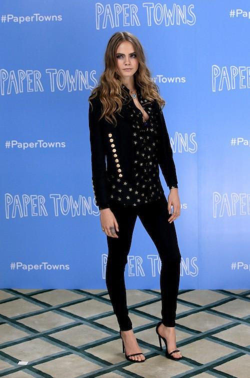 Photos : Cara Delevingne toujours plus séductrice pour la promo de Paper Town !