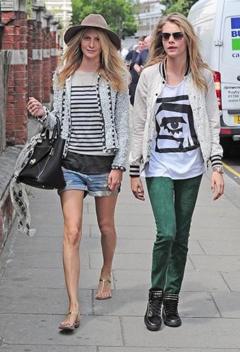 Cara et Poppy Delevingne à Londres le 10 juillet 2013