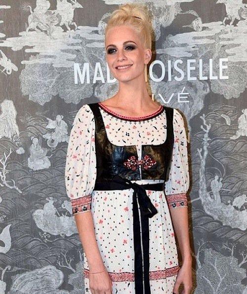 Poppy Delevingne à l'exposition Mademoiselle Privé à Londres, le 12 octobre 2015 !