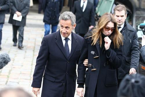 Photos : Carla Bruni et Nicolas Sarkozy : ils créent l'émeute aux obsèques de Jacques Chancel…