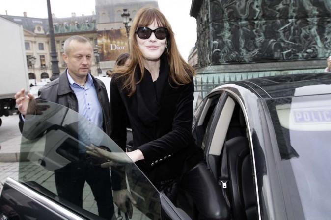 Carla Bruni au défilé Schiaparelli organisé dans le cadre de la Fashion Week Haute Couture de Paris le 20 janvier 2014
