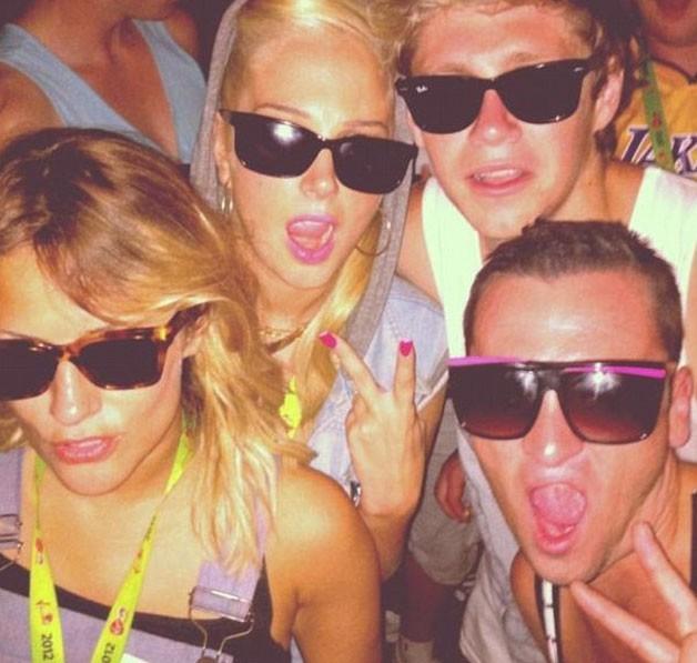 Caroline et Niall au V festival avec des amis