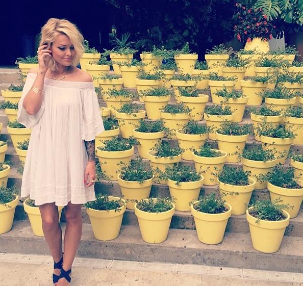 Photos : Caroline Receveur : loin des clashes, la blonde sexy et stylée s'éclate avec son chéri à Miami !