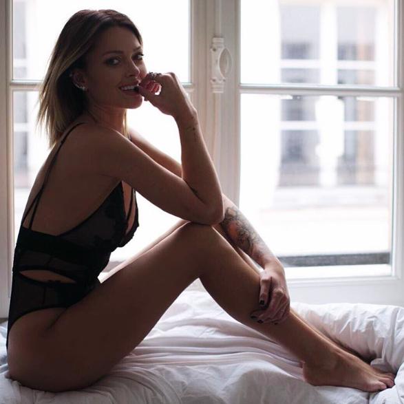Caroline Receveur : Son nouveau body sexy affole la toile !