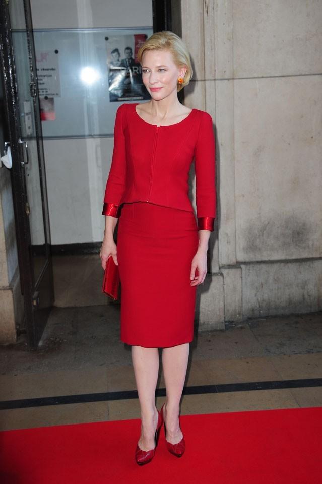 Cate Blanchett lors du défilé Giorgio Armani Privé à Paris, le 5 juillet 2011.