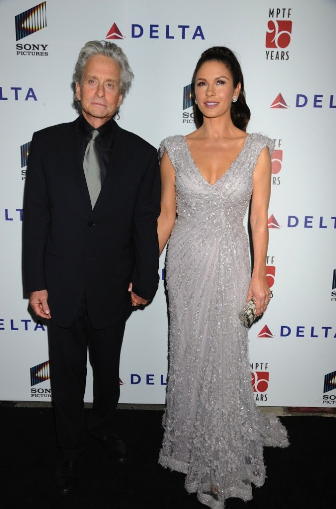 Catherine Zeta-Jones et son mari Michael Douglas à Culver City, le 16 octobre 2011.