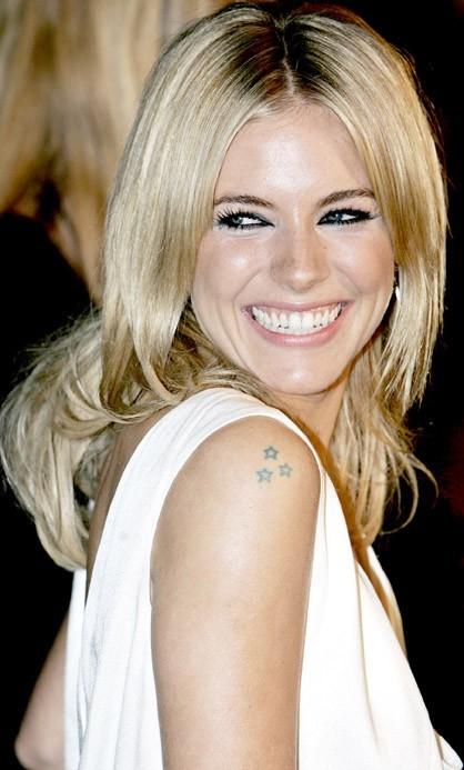 Sienna Miller, d'élégantes petites étoiles