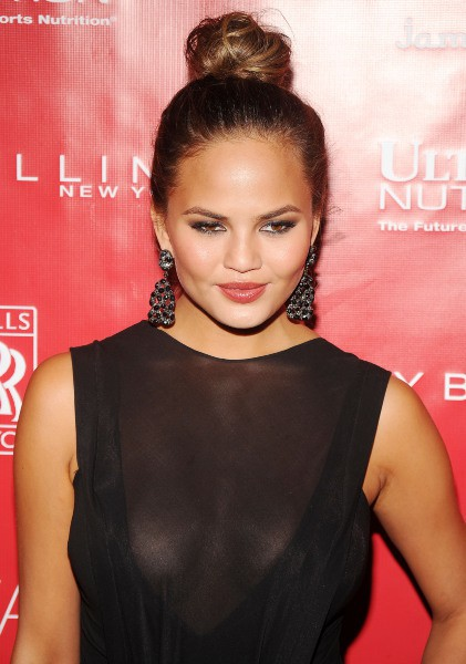 "Chrissy Teigen lors de la soirée ""Shape & Men's Fitness Super Bowl Kickoff Party"" à New York, le 31 janvier 2014."
