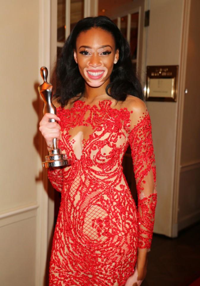Photos : Chantelle Winnie : l'égérie Desigual reçoit un prix pour sa beauté !