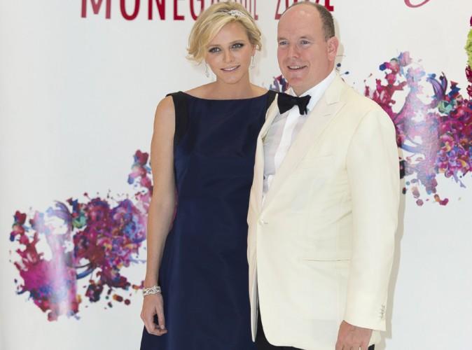 Charlène de Monaco : elle camoufle avec élégance son ventre rond au Gala de la Croix Rouge !