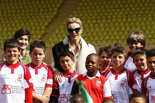 Photos : Charlène de Monaco, tout pour l'amour des enfants et du sport !