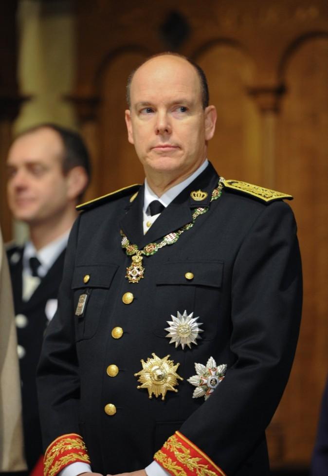 Dans ses fonctions officielles, le Prince est toujours très sérieux.