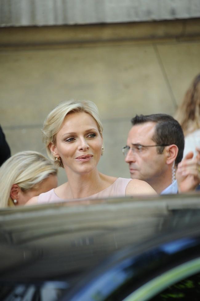 Charlene restera-t-elle la semaine à Paris?