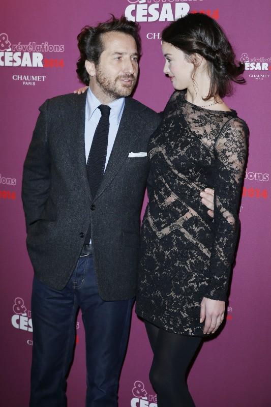 Edouard Baer et Charlotte Le Bon lors du dîner des pré-nommés aux César des meilleurs espoirs masculins et féminins 2014 à Paris, le 13 janvie...