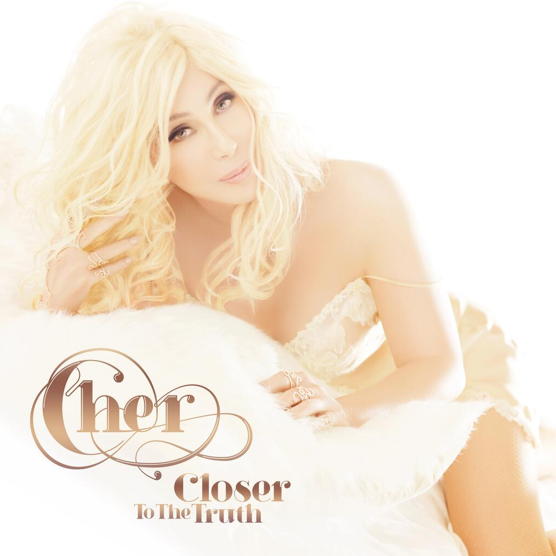 Photos : Cher : incroyablement jeune sur la pochette de son nouvel album !