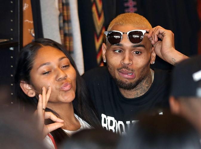 Chris Brown : autorisé à sortir de rehab le temps d'une journée, il s'éclate aux côtés de ses fans !