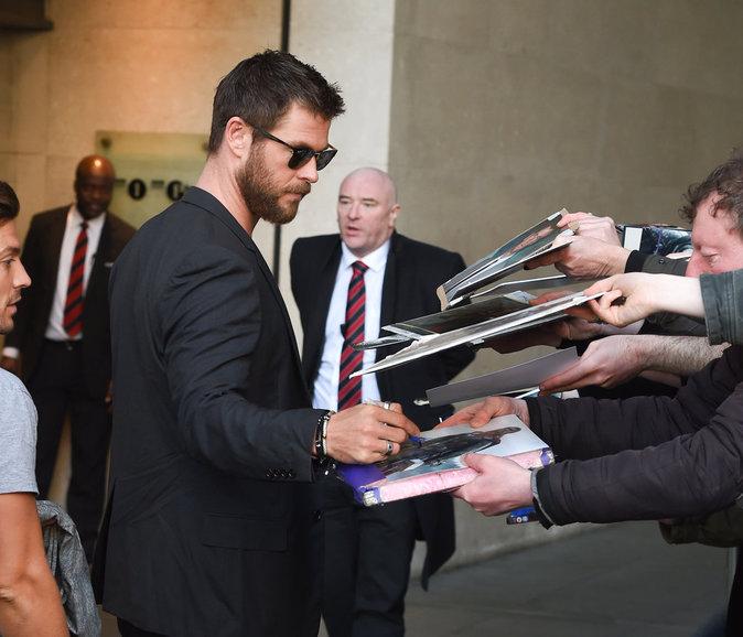 Photos : Chris Hemsworth : beau gosse et fervent féministe !