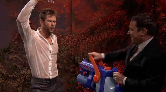 Chris Hemsworth et Jimmy Fallon le 13 janvier 2015