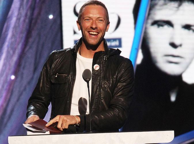 Chris Martin : Gwyneth Paltrow porte peut-être toujours son alliance, mais pas lui !