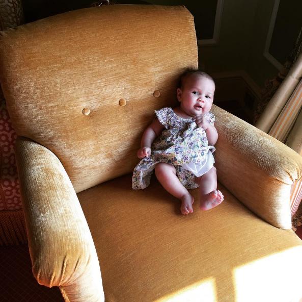 Photos : Chrissy Teigen et John Legend : vacances en famille à St Trop !