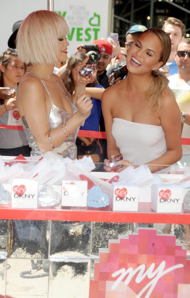 Chrissy Teigen et Rita Ora à New York le 19 août 2014