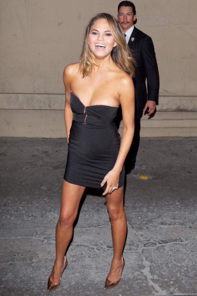 Chrissy Teigen en promo à Hollywood, le 17 février 2014.