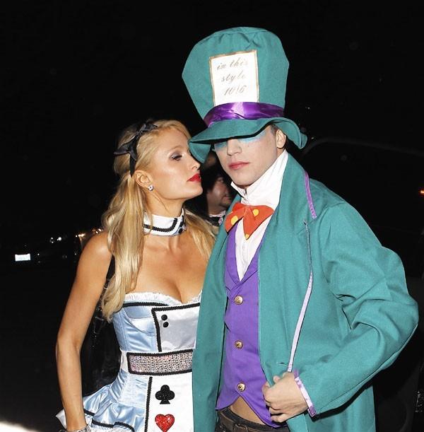 Paris Hilton déguisée pour Halloween à Beverly Hills le 27 octobre 2012