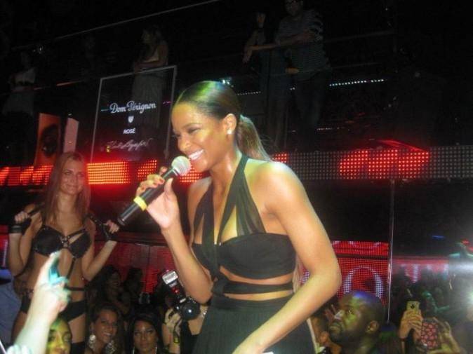 Ciara lors de son showcase au VIP Room Theater à Paris, le 1er octobre 2011.