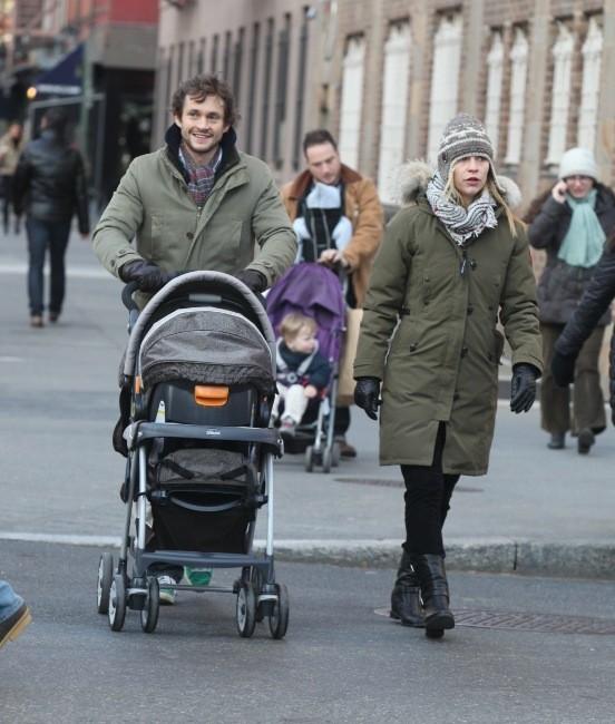 Claire Danes en famille le 23 décembre à New York