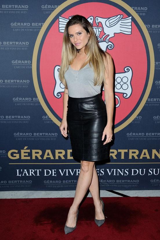 Clara Morgane lors de la soirée organisée par Gérard Bertrand au Fouquet's le 26 juin 2014