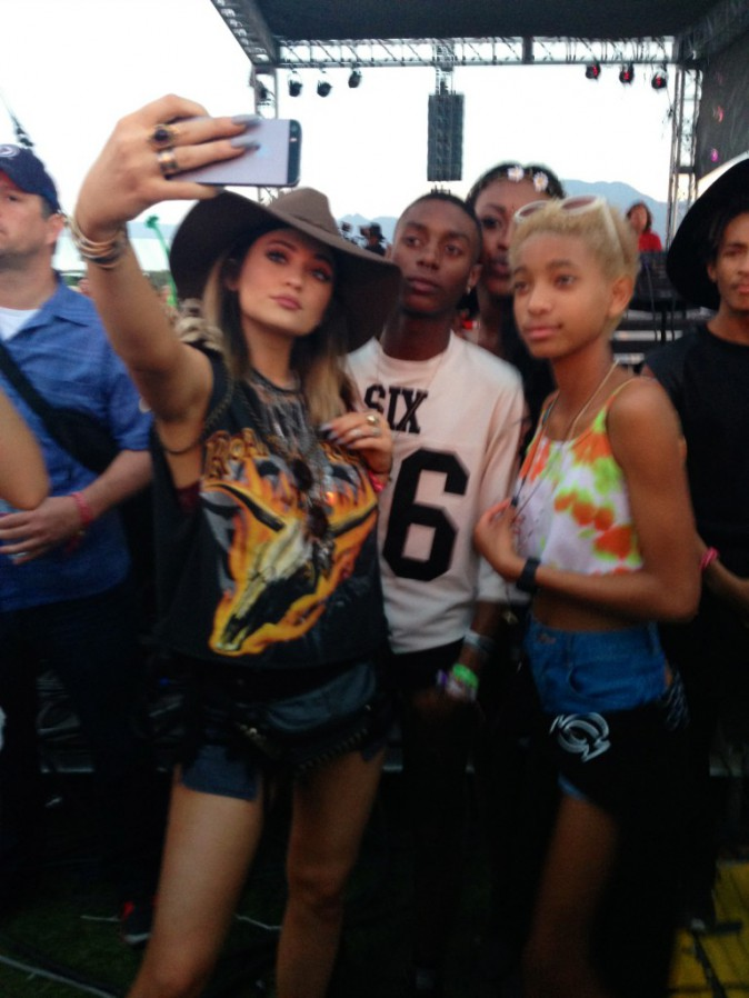 Kylie Jenner et Willow Smith en mode selfie - Coachelle Jour 1