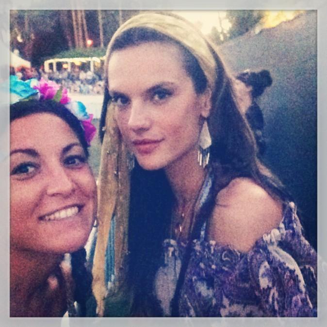Le selfie avec Alessandra Ambrosio: check ! Coachella JOUR 3