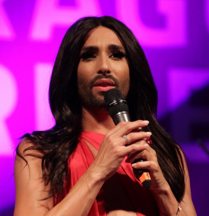 Conchita Wurst : Canon pour la gay pride de Prague !