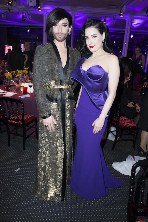 Conchita Wurst et Dita Von Teese au dîner de la mode, à Paris, le 29 janvier 2015