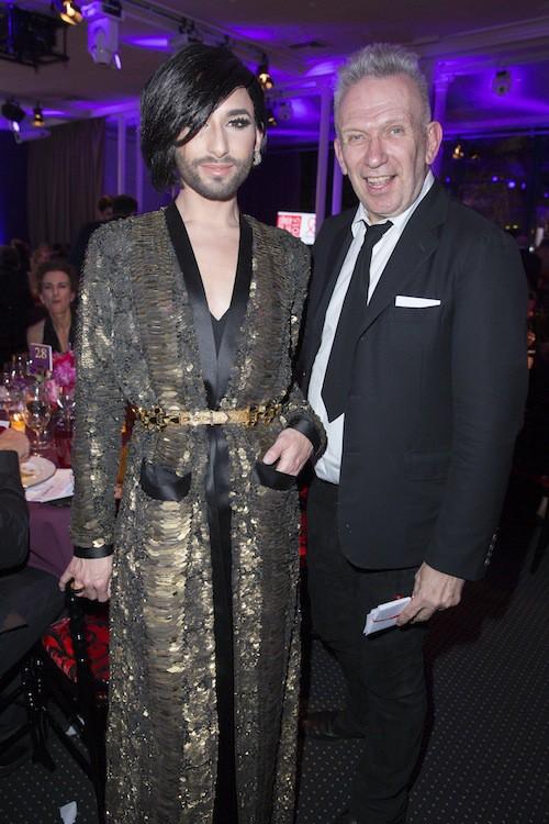 Conchita Wurst et Jean Paul Gaultier au dîner de la mode, à Paris, le 29 janvier 2015