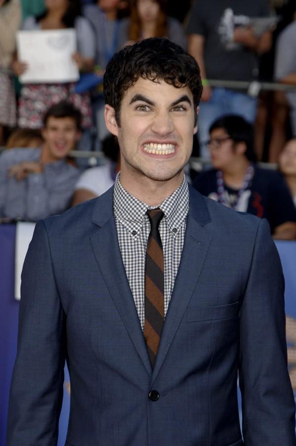 Darren Criss, c'est comme ça qu'il compte plaire aux filles ?