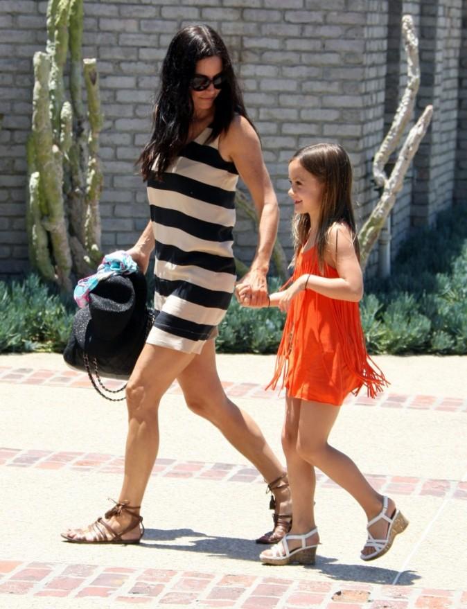 Courteney Cox et sa fille Coco lors de la fête organisée par Joel Silver à l'occasion du Memorial Day, le 30 mai à Malibu.
