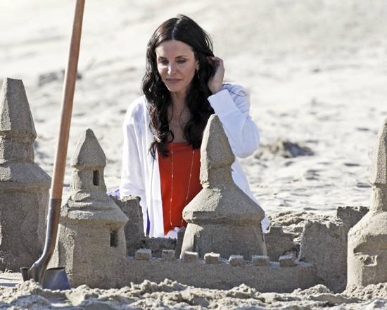 Faire un château de sable ? Trop dure, la vie !