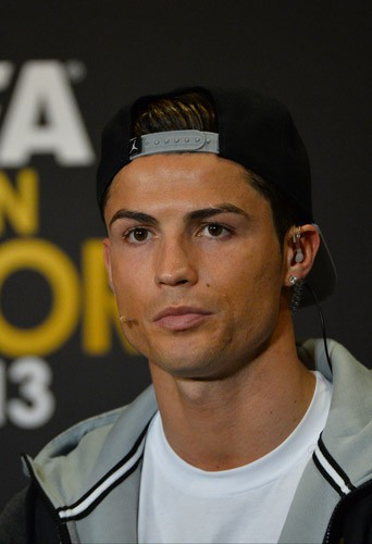Photos : Cristiano Ronaldo : 5 choses à savoir sur le Ballon d'Or 2013 !